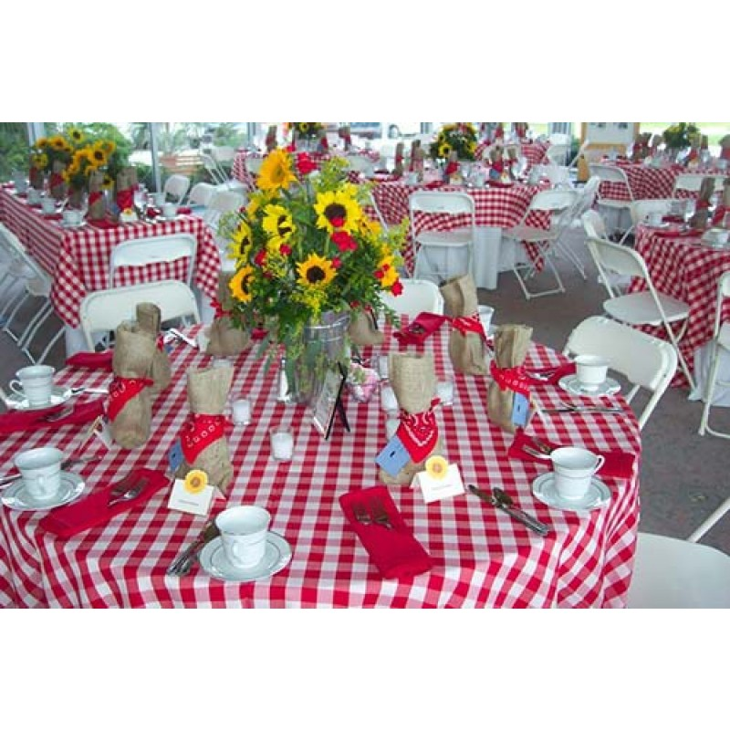 90 Round Checkered Tablecloth Outside Dining