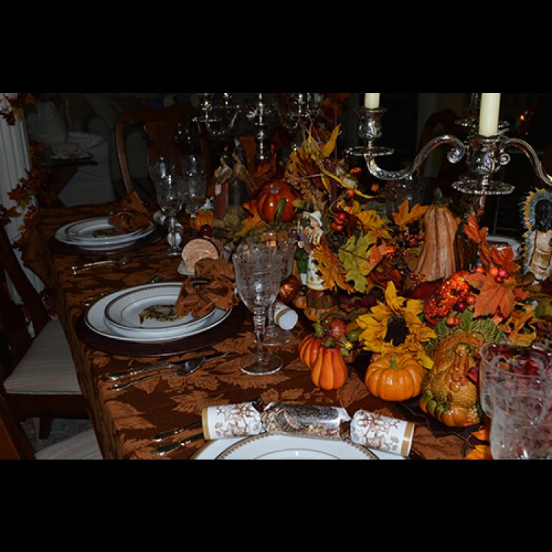 60 X 84 Oval Tablecloth Miranda Damask Usa Made