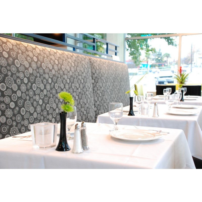 ... Square Table Cloth At Restaurant ...