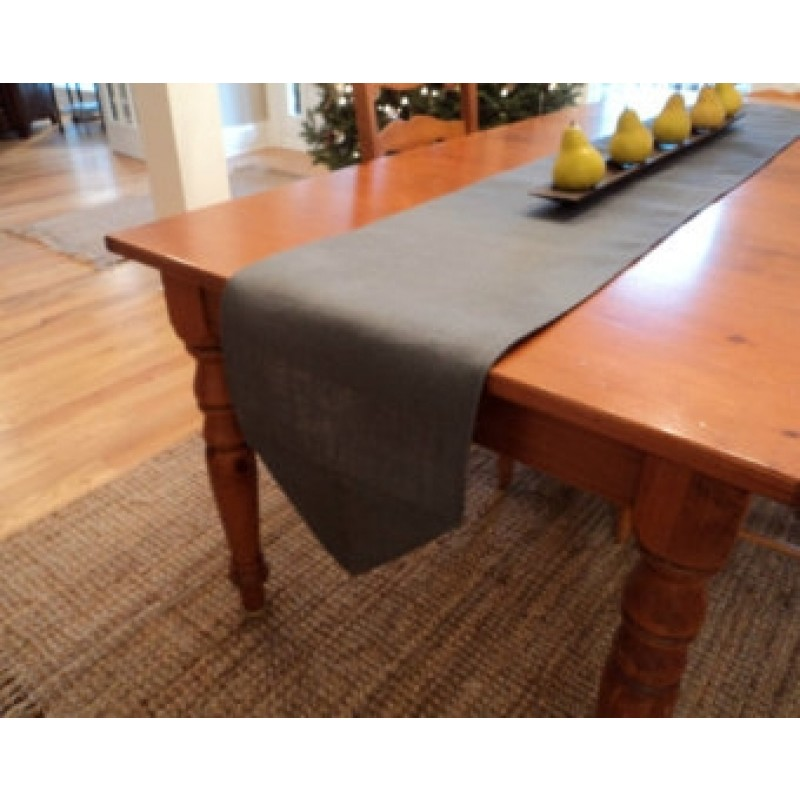 pointed end table runner